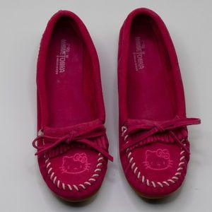 Minnetonka Hello Kitty Leather Pink Moccasins